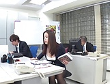 Sexy milf Mukai Ren gets nailed at the office picture 3