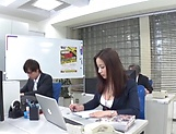 Sexy milf Mukai Ren gets nailed at the office picture 4