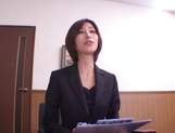 Sizzling Japanese office lady Akari Asahina gives a handjob picture 10
