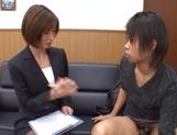 Beautiful office lady in sexy pantyhose Akari Asahina makes a guy jerk off