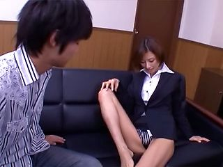 Akari Asahina naughty Asian office lady gets pussy licking