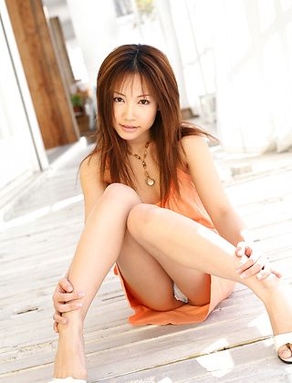 Reika Shina Asian Beauty Enjoys Showing Off Her Hot Ass