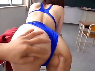 Raunchy babe gets a messy cum on ass