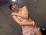 Itou Hatenatsu in pink lingerie enjoys dildo action picture 3