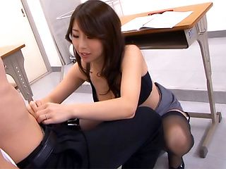 Japanese av model enjoys sex n the classroom