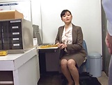 Hirose Yoko giving head at the office picture 1