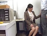Hirose Yoko giving head at the office picture 3
