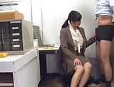 Hirose Yoko giving head at the office picture 5