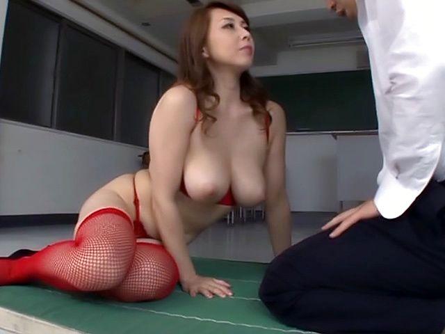 Kazama Yumi gets her vagina screwed good