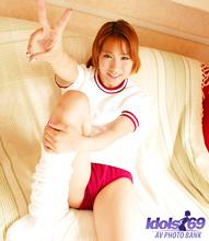 Yuri - Picture 25