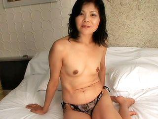 Yukko Futaba lovely Japanese mature babe