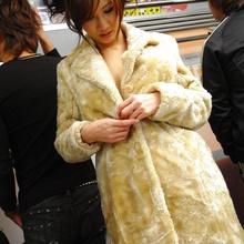Asami Yoshikawa - Picture 2