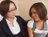 Yuu Aine and Japanese models have some lesbian fun