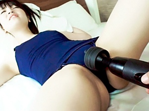Reon Aizawa opens her legs for a big cock