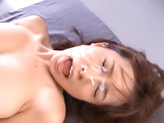 Shameless teacher Minami Kojima gives a blowjob lesson
