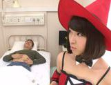 Mayu Kamiya exposes hand work skills in cosplay
