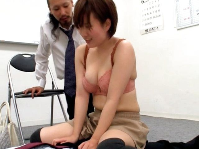 Naughty MILF sucks a guy off while she's vibrated