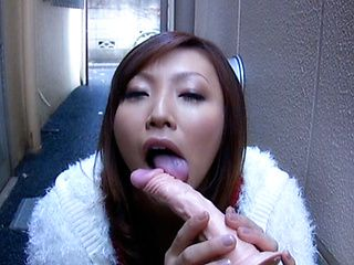 Emi Harukaze Hot Japanese chick is an amazing sexy date