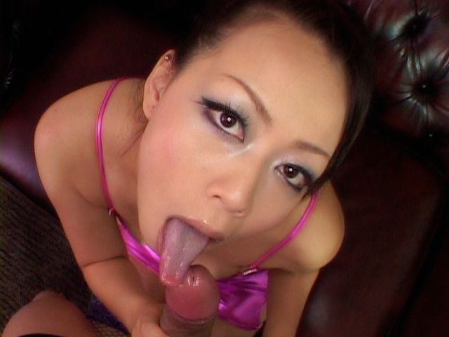 Hot Asian Milf Knows Exactly How To Stay Young Looking