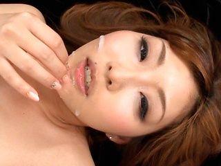 Arousing Hikari Kasumi gives amazing masssage session