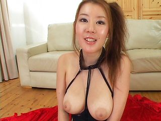 Maria Yamazaki Juicy and busty Japanese babe