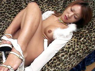Nozomi Ran Hot Japanse model likes fucking