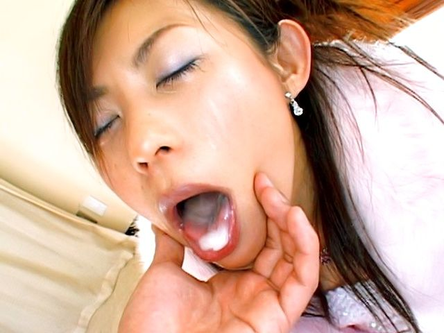 Japanese AV model swallows cum after she gives blow job