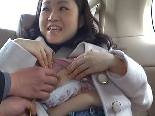 Kaoru Shinjyou naughty Asian milf has sex in the car