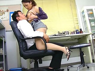 Aoi Miyama blowing her boos while at work