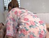Voluptuous Shiori Kamisaki gets nasty in the tub