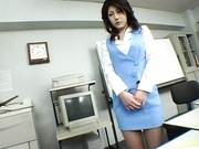 Mariko Shiraishi Asian MILF gets a hot facial bukkake