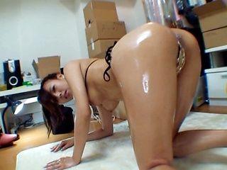 Mai Yuzuki Asian model masturbating with a dildo