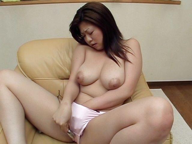 Amateur Asian Finger Solo