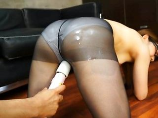 Ria Mikotori naughty office girl gets cummed on at work