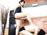 Wild Tsuna Nakamura female domination with footjob picture 4