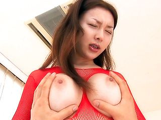 Mai Uzuki Asian beauty has sexy big tits