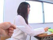 Teen schoolgirl Ayumi Kurebayashi rubs one out in class