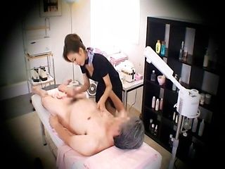 Massage parlor hidden camera sexy with a sexy Japanese woman