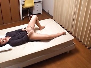 Naughty mature Asian chick Reiko Kirishima enjoys screwing