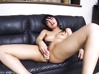 Teen winces and gasps in absolute pleasure
