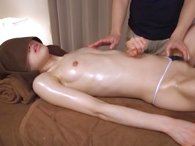 Sweet Yuikawa Chihiro has her cunt penetrated
