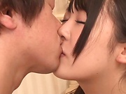 Sasaki Hina ,turns on a lad with an erotic kissing