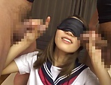 Shameless schoolgirl Kanae Renon fucks with two dudes in mmf
