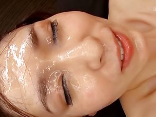 Cute schoolgirl Imai Mayumi winces in pleasure
