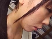 Secretive lady loves giving a steamy head