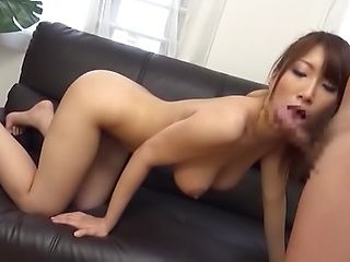 Hottie enjoys getting a large cock to suck