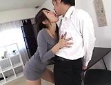 Shinoda Ayumi looks awesome in high heels
