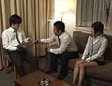 Office lady Ootsuki Hibiki gets a cumshot picture 1