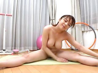 Mishima Natsuko excels in her boob teasing skills