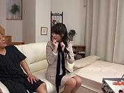 Babe performs a raunchy handjob